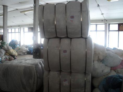 Cégünk 2006 óta foglalkozik bálás használtruha importálásával Angliából a53a4c2df6